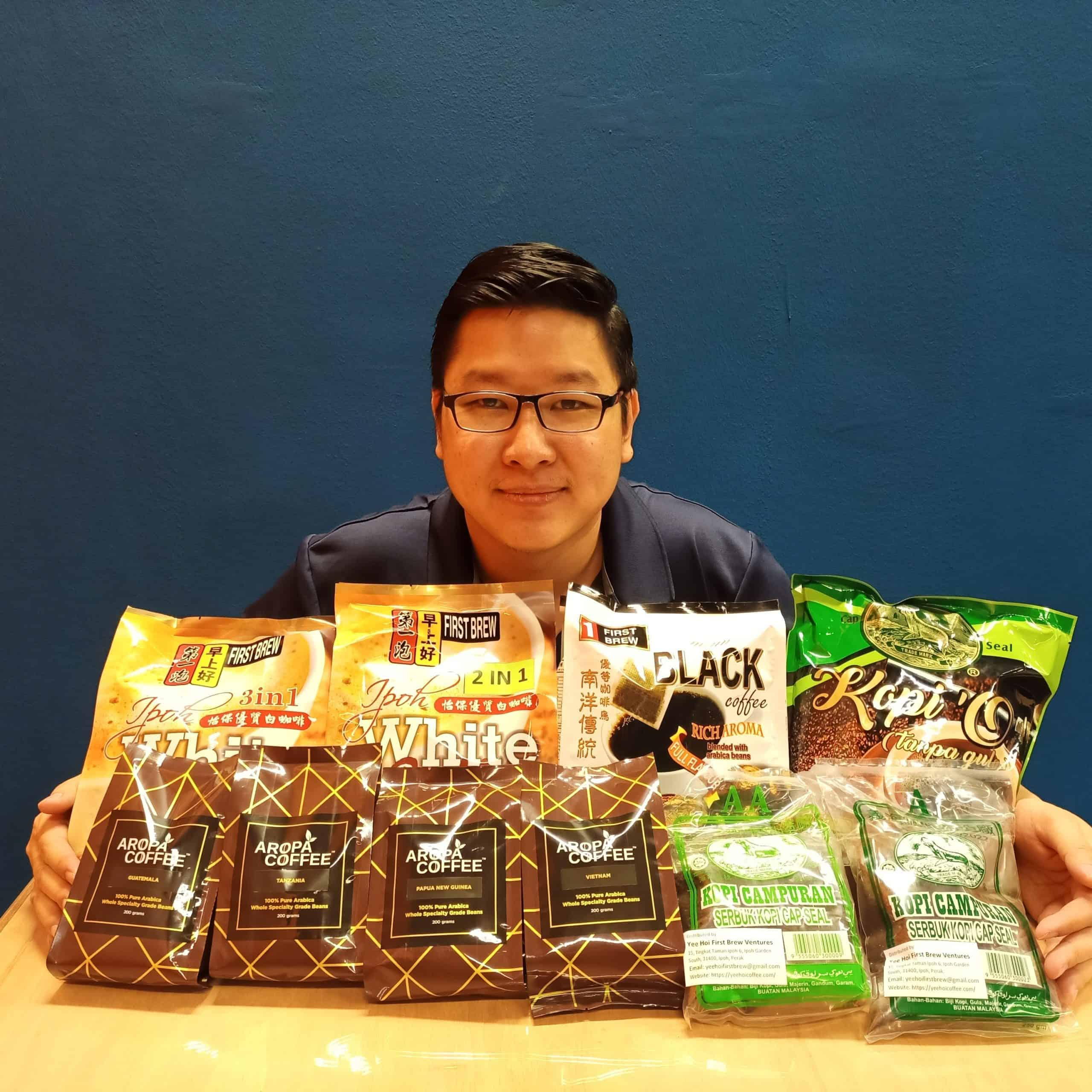 Aaron and the selection of coffee from Yee Hoi coffee roastery.